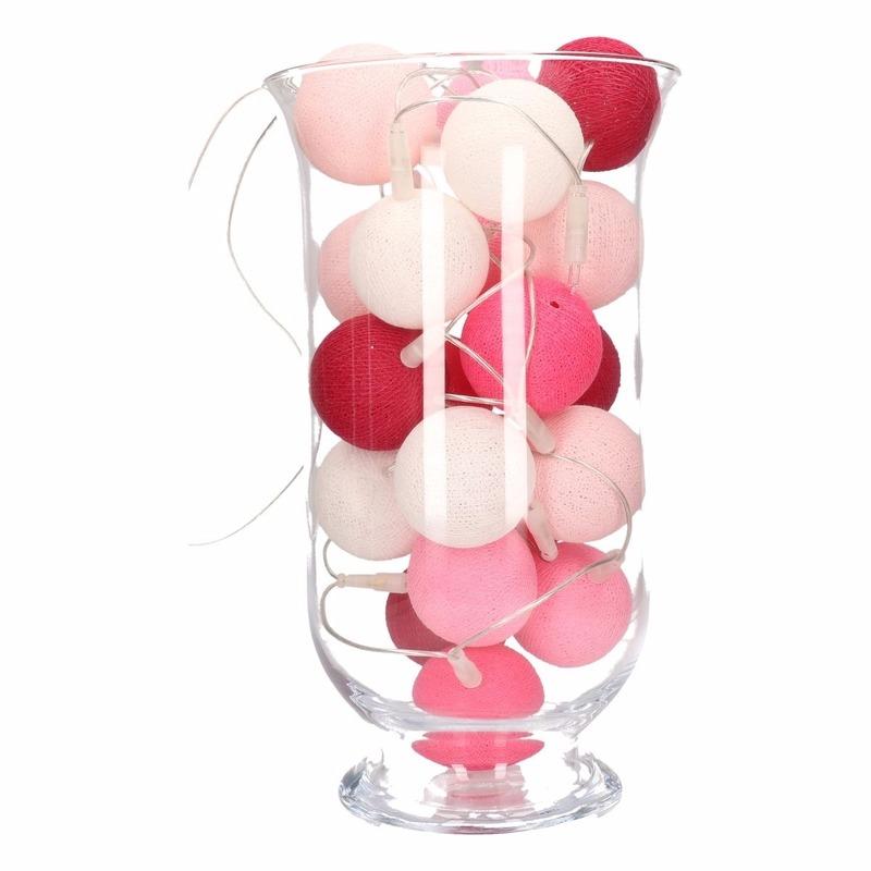 Vensterbank decoratie roze lichtslinger in vaas
