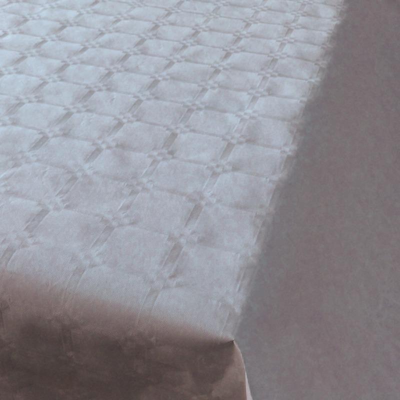 Zilveren tafelbedekking van papier